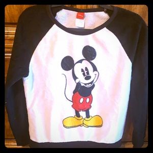 🔥3/$15 Disney Mickey Mouse fuzzy sweatshirt